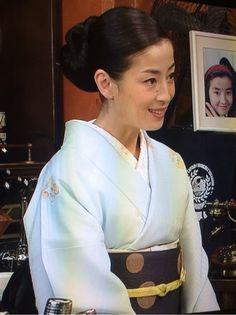 宮沢りえ Rie Miyazawa {7927A88B-31CC-4201-8042-F394B1AE725C:01} Geisha, Wedding Kimono, Hair Arrange, Yukata, Japanese Kimono, Portrait Photo, Kimono Fashion, Traditional Outfits, Hair Beauty