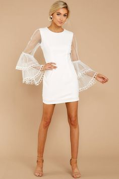 Ideas Party Outfit White Dress Long Sleeve For 2019 Sexy White Dress, White Long Sleeve Dress, Classy Dress, Dress Long, White Lace Dress Short, White Dress Outfit, Elegant White Dress, Elegant Dresses, Trendy Dresses