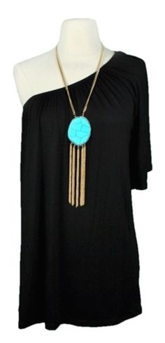 BLACK ONE SHOULDER DRESS...did you say dress? Love the necklace.