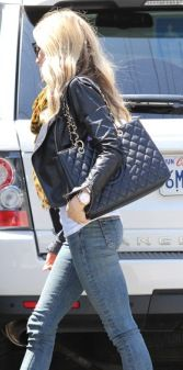 Start your perfect relationship with Chanel.. no commitment! Visit www.rentfashionbag.com