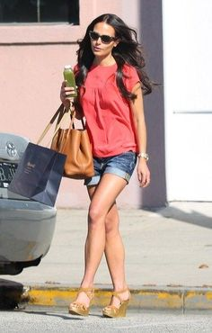 """Jordana Brewster Photos - """"Fast Five"""" beauty Jordana Brewster, wearing denim hotpants, is all smiles as she leaves the Madewell store in Beverly Hills . - Jordana Brewster Leaves the Madewell Store L Love U, Hermes Garden Party, Female Movie Stars, Most Beautiful Hollywood Actress, Hot Heels, Celebrity Beauty, Celebs, Celebrities, Classic Beauty"""