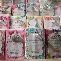 Jabones personalizados para comuniones, en este caso, con el texto en catalán.   Personalized soaps with olive oil www.lapompaquerie.com #lapompaquerie #soaps