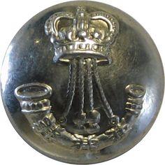 North Saskatchewan Regiment (Canada) - Military uniform button for sale Queen Elizabeth Crown, Queen Crown, Buttons For Sale, Armed Forces, Canada, Military, Metal, Special Forces, Metals
