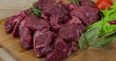 Backstrap Has Never Tasted Better Looking for the perfect venison marinade? If it's worth using, you can bet that it's going to be on this list. Venison Marinade, Cooking Venison Steaks, Venison Meat, Venison Recipes, Brine Recipe For Venison, Smoker Recipes, Beef Meals, Roast Beef, Per Diem