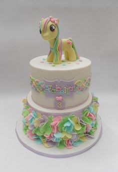 My Little Pony - Cake by Nessie - The Cake Witch - CakesDecor My Little Pony Cake, My Little Pony Birthday, Cupcakes, Cupcake Cakes, Girly Cakes, Fancy Cakes, Beautiful Cakes, Amazing Cakes, Ben Y Holly