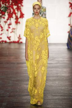 See the Naeem Khan spring/summer 2016 collection. Click through for full gallery at vogue.co.uk