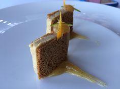 Cortes de Foie con pan de especias y puré de manzana a la vainilla.