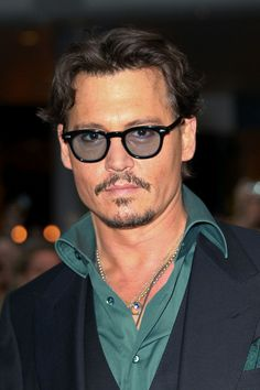 "Johnny Depp - Penelope Cruz and Johnny Deppat the ""Pirates Of The Caribbean: On Stranger Tides"" Premiere"