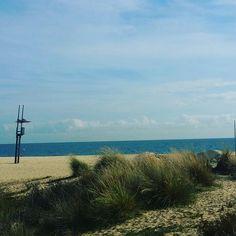Moje ulubione miejsce na popołudniowe rozmyślania...🍁🍂🍁🍁🍂🍂🌞🌞 #morze #plaża #popoludnie #tumogespokojniepomyslec #spokojducha #relaks