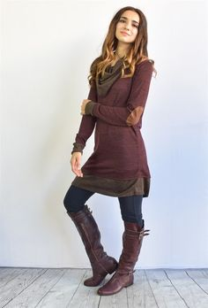 Another great find on éloges Burgundy Cowl Neck Tunic by éloges Stylish Outfits, Winter Outfits, Nice Outfits, Tunics With Leggings, Blouse Styles, Look Cool, Casual Tops, Casual Chic, Cowl Neck
