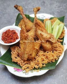 Malay Food, Indonesian Food, Chicken Wings, Cooking Recipes, Meat, Kunyit, Ayam Goreng, Curly Bob, Foods