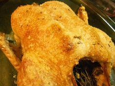 Andava para experimentar esta receita há muito tempo e finalmente no passado domingo degustamos um delicioso pato assado ao almoço! Fic...