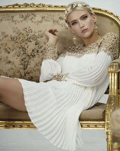 Mary's of Enfield are stockists of Carla Ruiz, Spanish designed ladies occasion wear outfits for Mothers of the Bride or Groom Estilo Glamour, Happy Birthday Gorgeous, Grecian Goddess, Sparkling Stars, My Fair Lady, Gold Fashion, Paris Fashion, Couture Fashion, Outfits