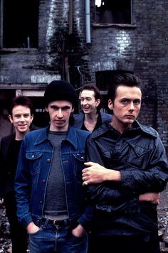 It looks like Mat and Simon are laughing at Bernard's hat. Brett Anderson, Britpop, My Youth, Great British, Beautiful One, Kinds Of Music, David Bowie, My Man, Cool Bands