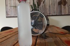 LIFEHACKS: Plastic bottles are super handy! You'll never throw them out again when you know about these 4 amazing money-saving tricks! Lifehacks, Fresco, Air Conditioning Installation, Lighted Branches, Frozen Water, Branch Decor, How To Get Warm, Home Hacks, Plastic Bottles