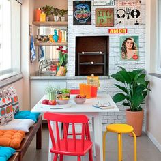Cozinhas pequenas e coloridas
