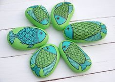 Painted Sea Stones - Fishes - Handmade by KYMA - www.facebook.com/kymadesign
