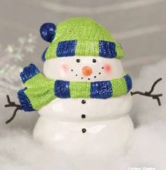 Wickless candles and scented fragrance wax for electric candle warmers and scented natural oils and diffusers. Shop for Scentsy Products Now! Scentsy Wax Melts, Scentsy Catalog, Ipad, Holiday Gifts, Holiday Decor, Holiday Ideas, Christmas Decor, Cute Snowman, Snowmen