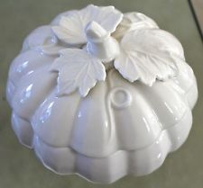 GRACE'S TEAWARE NEW BONE PORCELAINE PUMPKIN & 3D LEAVES DISH & LID CANDY SOUP