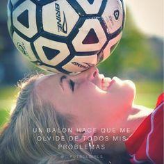 Feliz domingo✨. . . . . . . . . . . #futbolfemenino #futbol #futbolpanama #mujerfutbolera #🤣 #meme #futbolmujer #mujer #futbolparatodos…