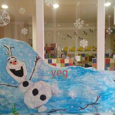 Frozzen. Olaf decoración del aula por Navidad.