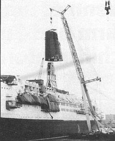 The refit of RMS Queen Elizabeth Cunard Line, from October 1986 to May Ship Mast, Rms Queen Elizabeth, Gas Boiler, Steam Turbine, Electric Motor, Diesel Engine, Fresh Water, October, Ocean