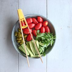 Cutest bamboo kitchen tongs, guaranteed to put a smile on your face while making a toast, cooking or serving a cold or hot dish.