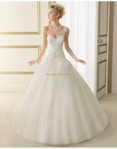 Romantische Einschulter Ball Brautkleider aus Organza mit Blumen 163 ESTELA | luna novias 2014
