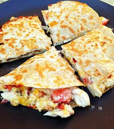 "Previous pinner: taylor made: lightened up chicken, bacon, ranch quesadillas with a clean ""ranch"" dipping sauce I Love Food, Good Food, Yummy Food, Chicken Bacon, Chicken Recipes, Ranch Chicken, Great Recipes, Dinner Recipes, Cooking Recipes"