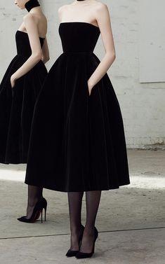 // Alex Perry Arlett Velvet Collar Dress