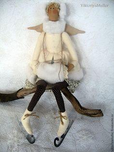 """Кукла в стиле Тильда """"Зимний ангел на коньках"""" - бежевый,белый,зимний ангел"""