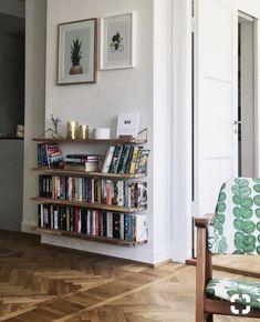 Bookshelves For Small Spaces, Cheap Bookshelves, Creative Bookshelves, Floating Bookshelves, Bookshelf Design, Bookshelf Ideas, Bookshelf Decorating, Book Shelves, Shelf Desk