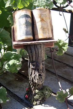 Witch's Magic Bookstand - what a great idea and how useful in the process of directing energy in group circles - frees up the hands (and especially the wand  or the athame hand!)