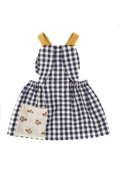 This bunny apron is a favorite in our house! This open back apron features floppy bunny ears lined with a vintage inspired floral and an oversized pocket. Mus