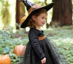 These 25 simple witch crafts and treats are going to spunk up your Halloween season with a variety of ideas! Toddler Witch Costumes, Baby Witch Costume, Costumes Avec Tutu, Toddler Girl Halloween, Cute Costumes, Baby Costumes, Little Girl Witch Costume, Costume Ideas, Ghost Costumes
