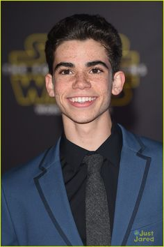 Full Sized Photo of peyton list bunked cast star wars premiere 04 Namjoon, Taehyung, Cameron Boyce Girlfriend, Fanfiction, Jimin, Disney Channel Stars, Dove Cameron, Cameron Boys, Actor Picture