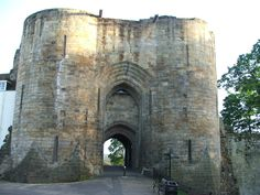Tonbridge Castle is in the Tonbridge, Kent, England. The gatehouse was completed in 1260.
