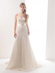 Robe de mariée en satin col rond ceinture en étoffe élégant chic