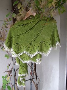 Free Knitting Pattern: Begonia Swirl by Carfield Ma - so elegant...