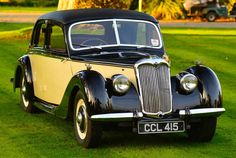 1946 Riley 1 Litre RMA Saloon Maintenance of old vehicles: the material for new cogs/casters/gears could be cast polyamide which I (Cast polyamide) can produce Retro Cars, Vintage Cars, Antique Cars, American Graffiti, Harrison Ford, My Dream Car, Dream Cars, Coventry, Automobile