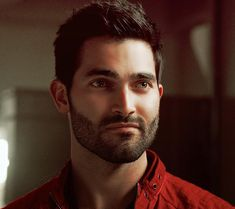 i hope derek hale is alive and well, cuddling with stiles on the couch, drinking hot chocolate & watching christmas movies 🎄💖 Teen Wolf Derek Hale, Teen Wolf Mtv, Teen Wolf Boys, Teen Wolf Stiles, Teen Wolf Cast, Tyler Hoechlin, Sterek, Dylan O'brien, Wolf Tyler