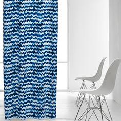 Cortina confeccionada con Ondas azul Compra cortinas online en Kusbe tu tienda online de decoración textil.