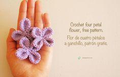 Flor de Cuatro Pétalos Amigurumi - Patrón Gratis en Español e Inglés aquí: http://chabepatterns.com/free-patterns-patrones-gratis/accessories-accesorios/crochet-four-petal-flower-flor-de-cuatro-petalos-a-ganchillo/