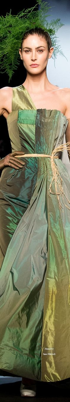 Jean Paul Gaultier Spring 2015 Couture Collection Paul Gaultier Spring, Jean Paul Gaultier, Green Gown, Spring Couture, Fashion Lighting, Skirt Fashion, Women's Fashion, Fashion Trends, Couture Collection