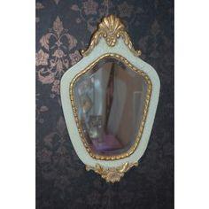 brocante spiegel met cracquelé lijst.