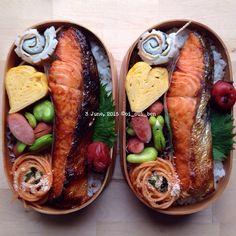 * * 2015/6/3   おはよう☔️⛅️ * * まちがい…ど〜こだ? * 1箇所だけ(1個だけかいっ❗️) まちがいがあります。 さぁ…どこでしょう… 《形、大きさ、数などは関係ありません》 * * ❁レベル ⭐️☆☆☆☆ * * #cooking#food#foodie#igphoto#instafood#yum#yummy#yummypic#料理#料理写真#onmytable#obento#bento#お弁当#弁当#lunch#lunchbox#ランチ#ランチボックス#暮らし#coi_ben#