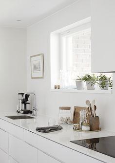 Schlichte Küche in elegantem weiß!