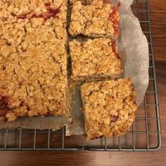 Havermout plaatkoek | Wat eet je dan wel? | Bloglovin' Good Healthy Recipes, Healthy Sweets, Healthy Breakfast Recipes, Healthy Baking, Healthy Snacks, Breakfast Juice, How To Make Bread, Dairy Free Recipes, Cookie Recipes