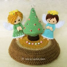 Free Patterns — Miniature Christmas Tree & Angels - Craftfoxes