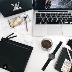 Clutch & more... ❤️ Wanna Maria Fiori Clutch ❤️ www.facebook.com/wannamariafiori ❤️ #wannamariafiori  #wanna #clutch #clutchbag #bag #black #unisex #nogender #genderless #lv #lvbag #mac #apple #bread #coffe #whatch  #muji#louisvuitton  #notebook #morning #goodmorning #illivanilli #love #madeinitaly #fashion #pic #potd #picoftheday #ootd #outfit #outfitoftheday #musthave ❤️